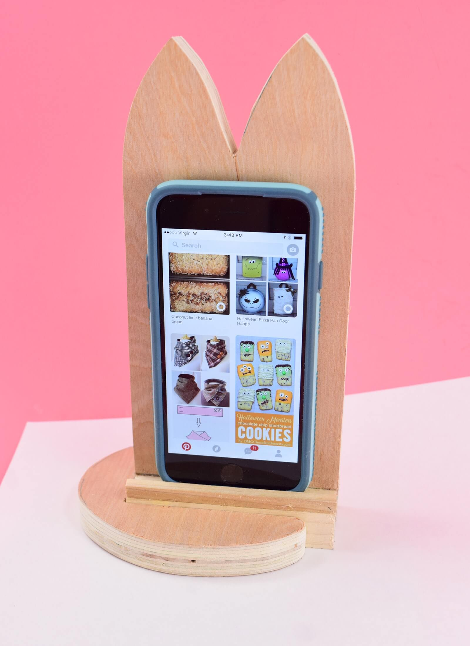 DIY Cat Shaped Smart Phone Holder from Wood Step 15