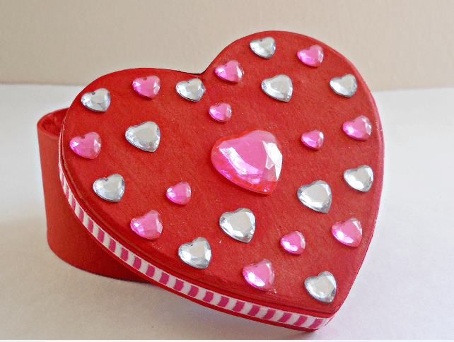 10+ Valentine's Day Crafts Step 9