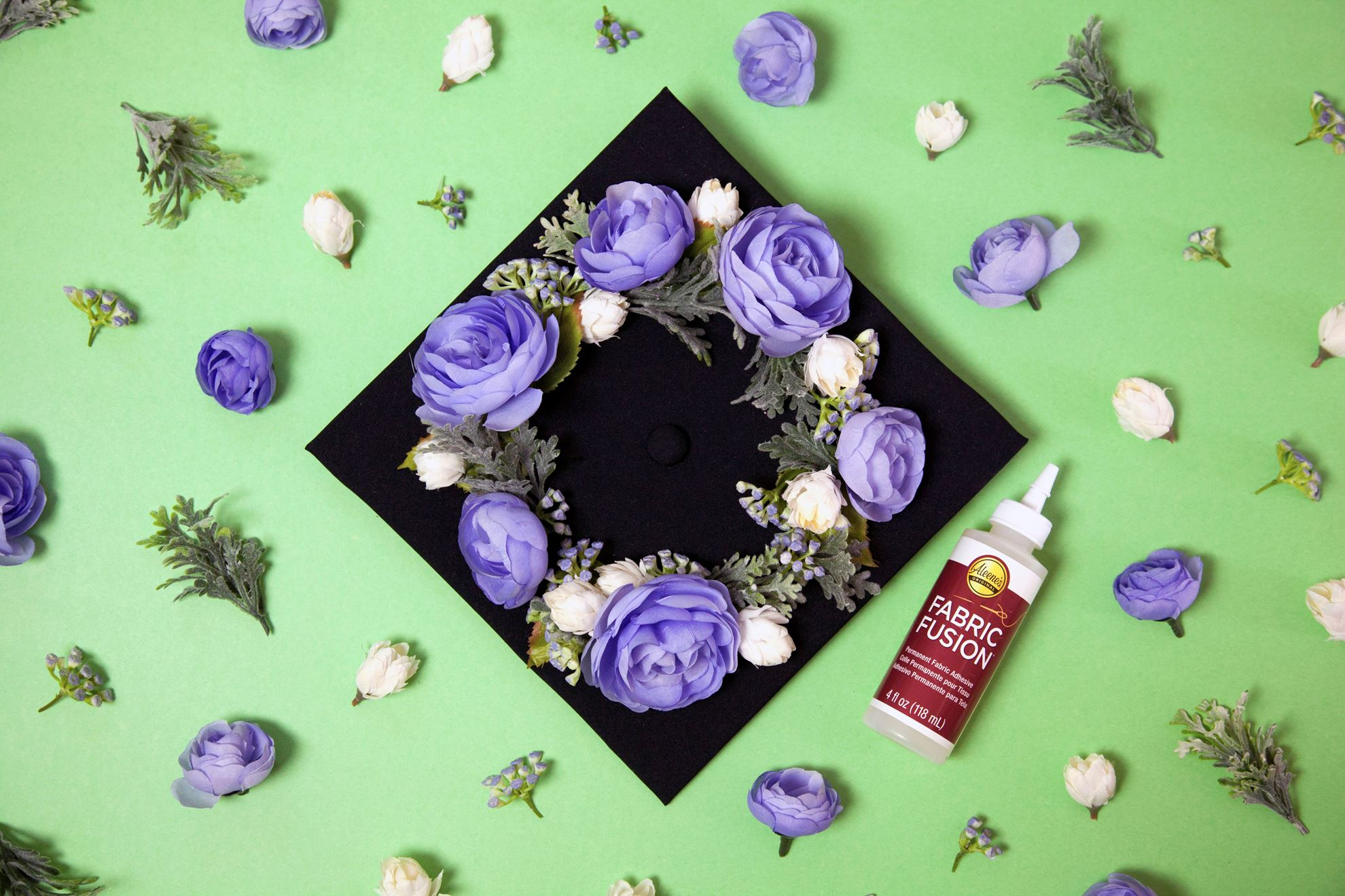 3 Ways to DIY a Graduation Cap Step 4